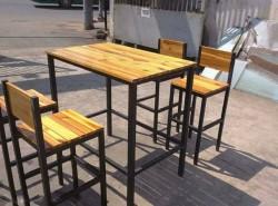 Các mẫu bàn ghế cafe chân sắt đặt theo yêu cầu